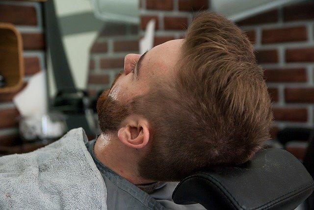 Welcher Rasierer für den Bartträger?